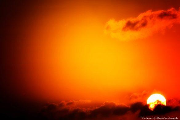 Qualche istante dopo l'alba - Foto di Giancarlo Bogoni per Lampedusainfoto