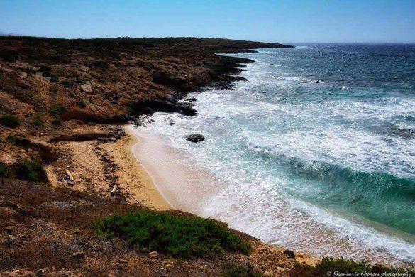 Costa sud orientale di Lampedusa: Cala Sponze - Foto di Giancarlo Bogoni per Lampedusainfoto