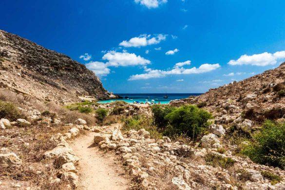 Cala Pulcino, 7 agosto 2014 - Foto di Marco Martire per Lampedusainfoto